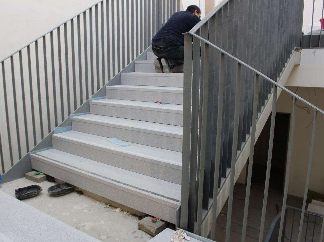 Verlegung von Treppenstufen