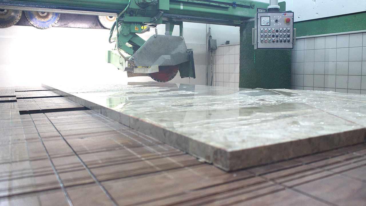 Unsere Werkstatt - Zuschneidung der Platten
